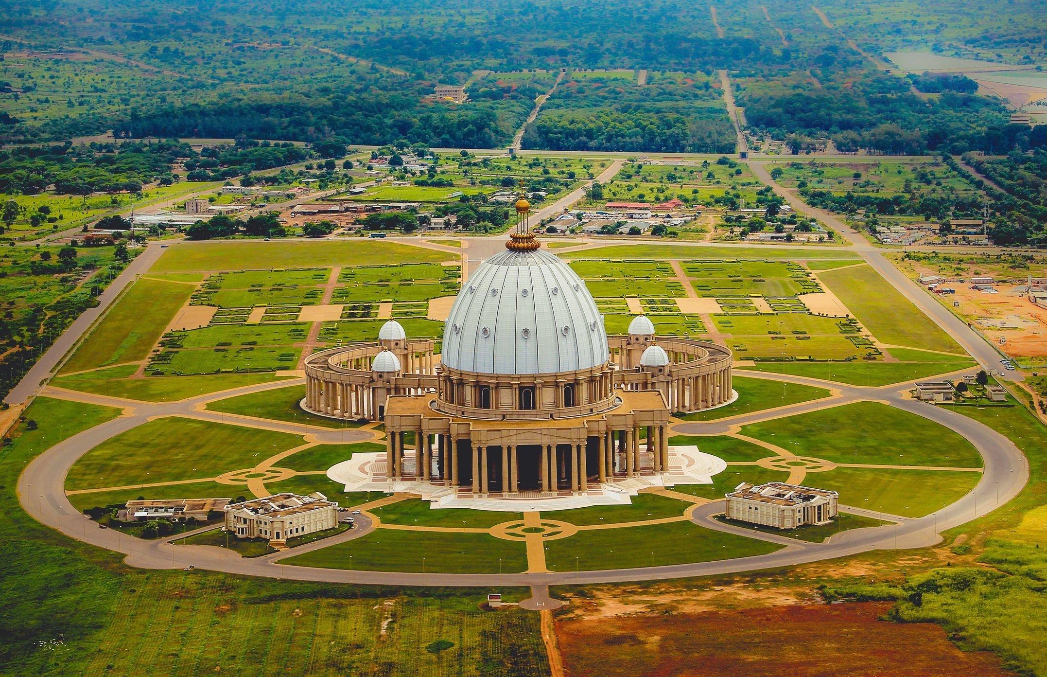world largest church