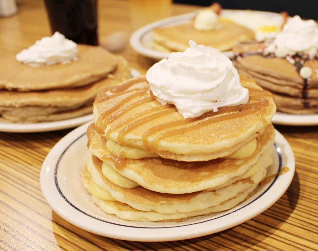 how to make Eggnog Pancakes