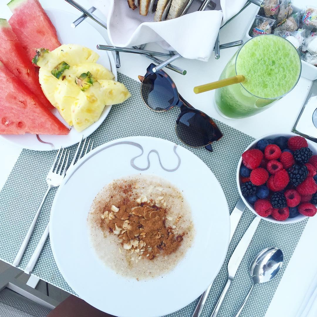 Oatmeal summer breakfast