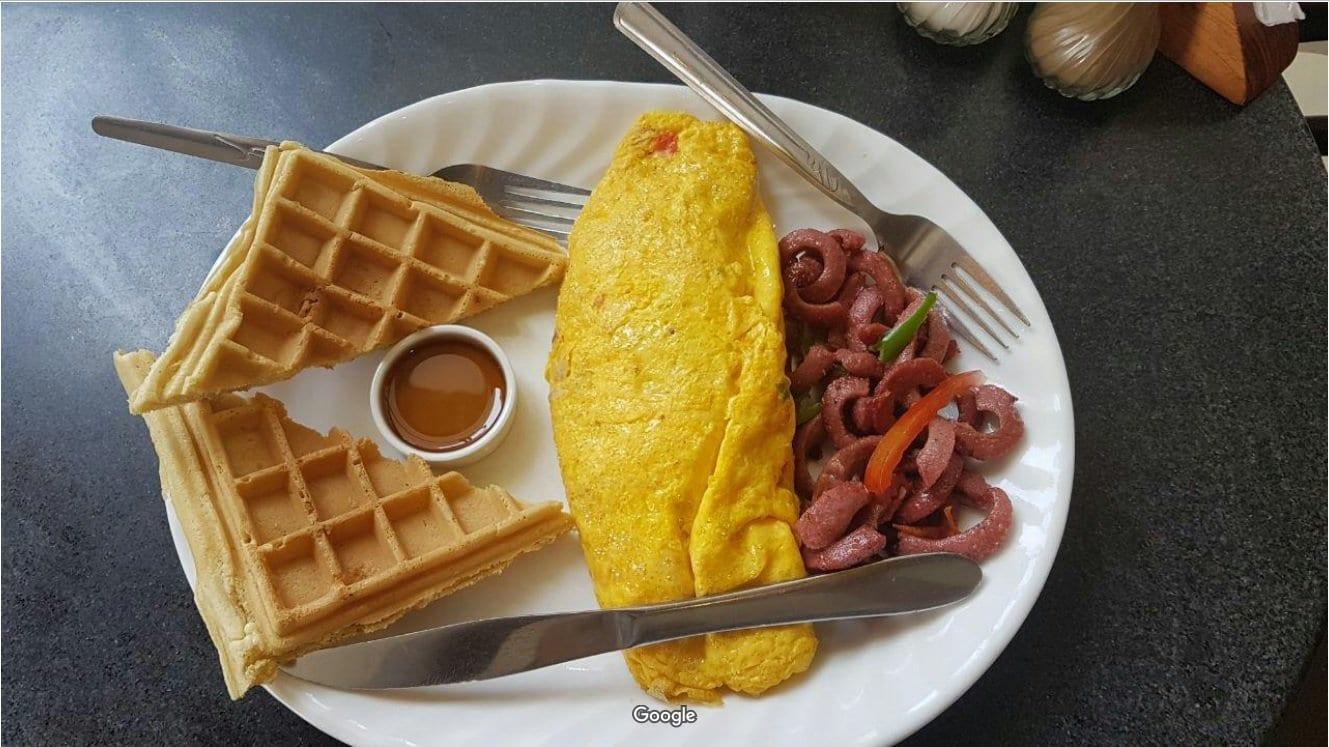 Breakfast at La Parisienne Restaurant, Addis Ababa