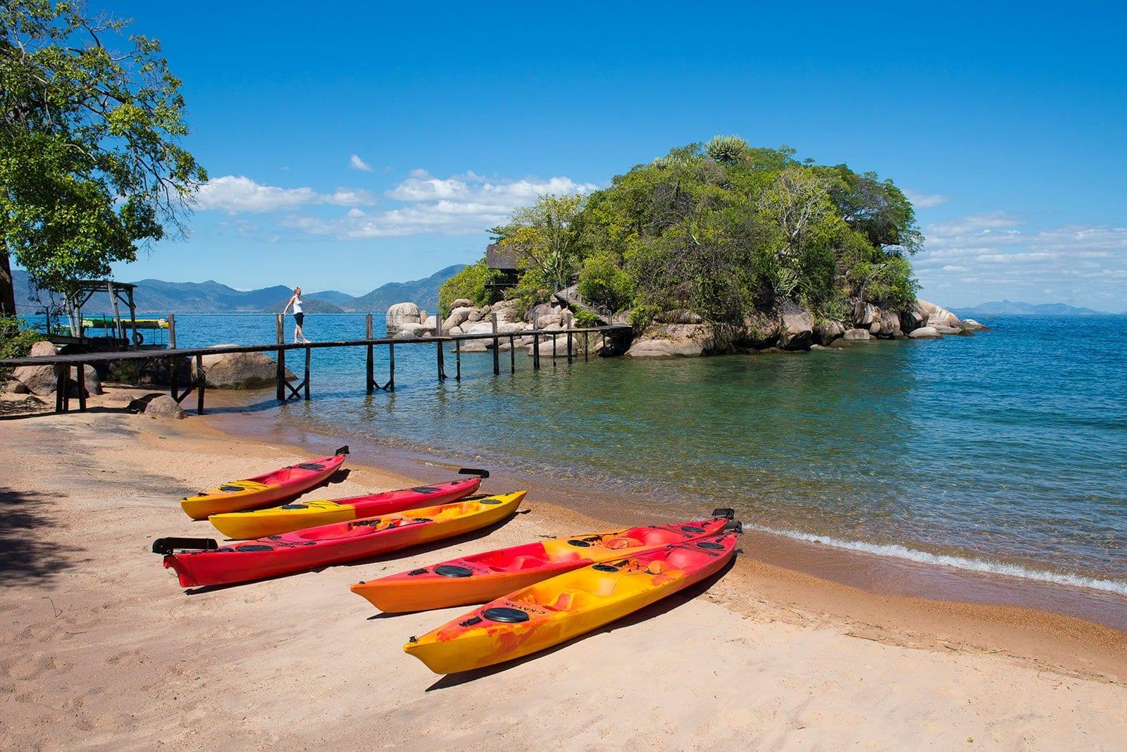 Exploring Mumbo Island - Kayak Africa