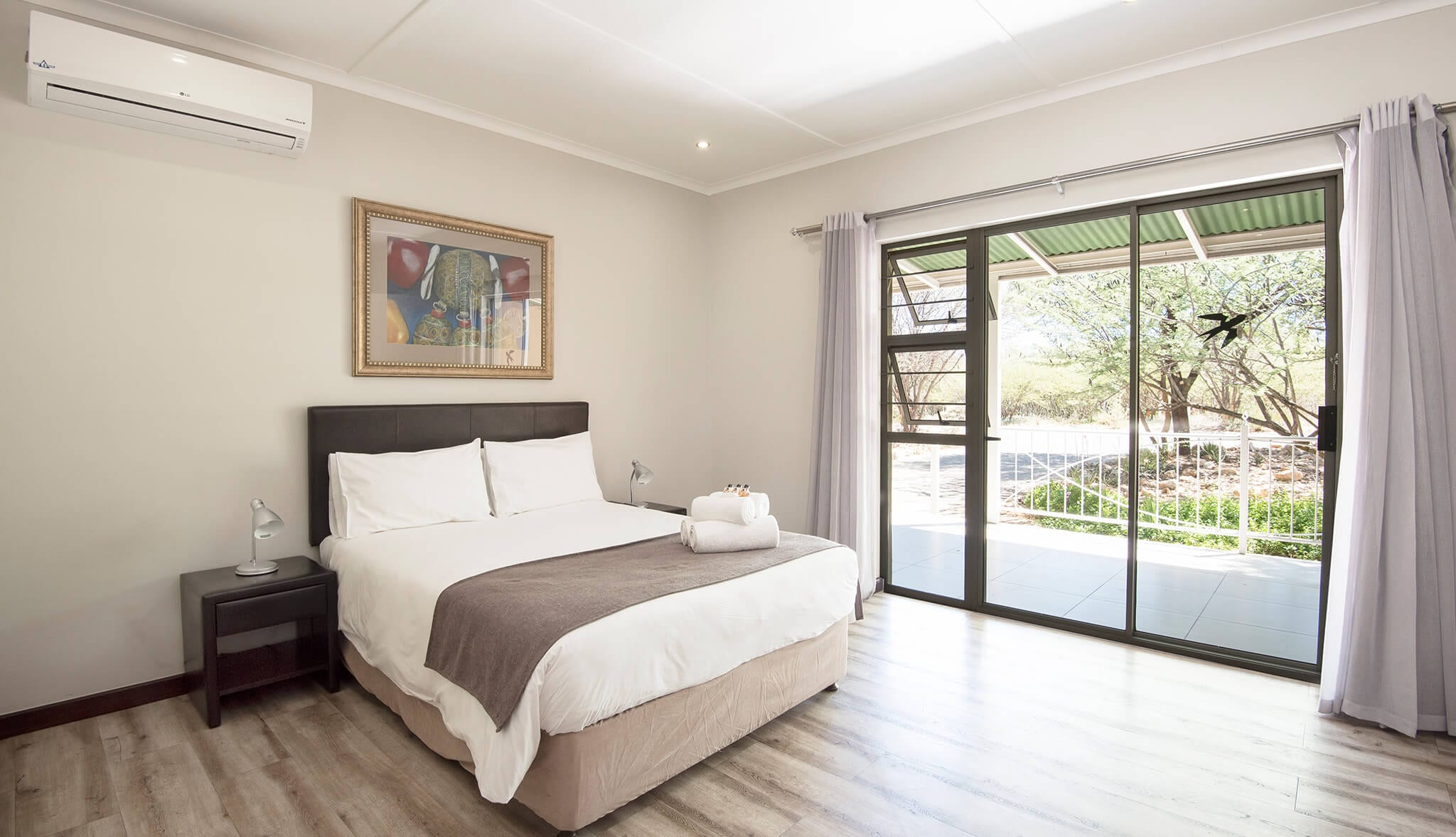Arebbusch Travel Lodge windhoek best budget hotels
