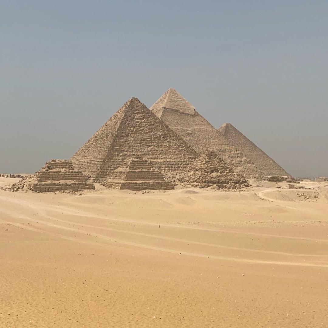 Great Pyramids of Giza Cairo