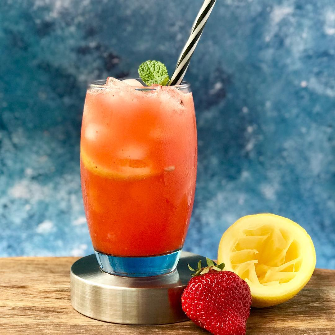 summer strawberry lemonade