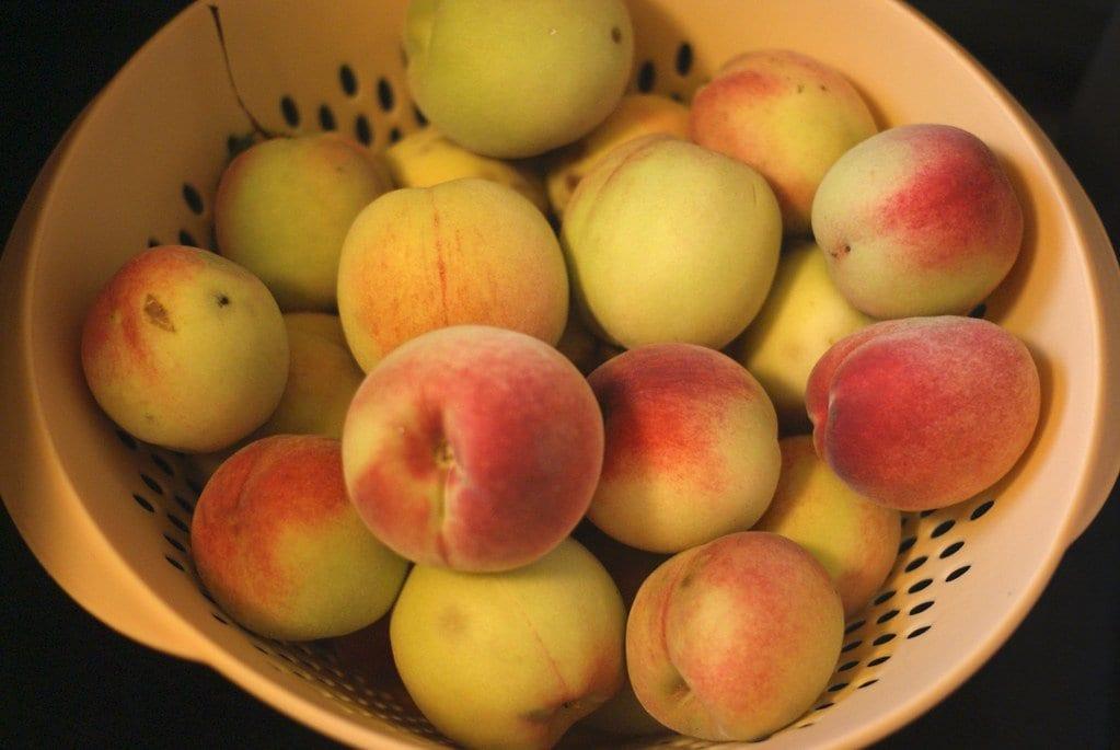 peaches healthiest fruits