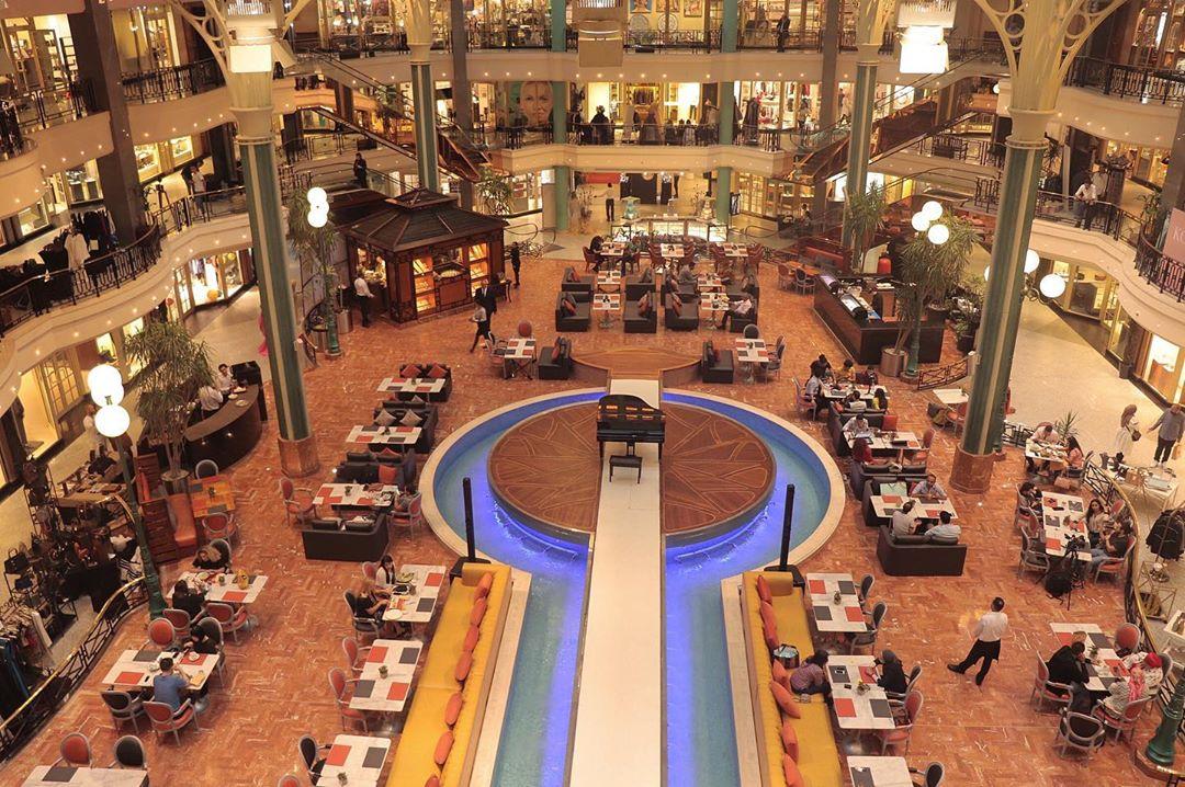 Shopping mall in Giza, Egypt