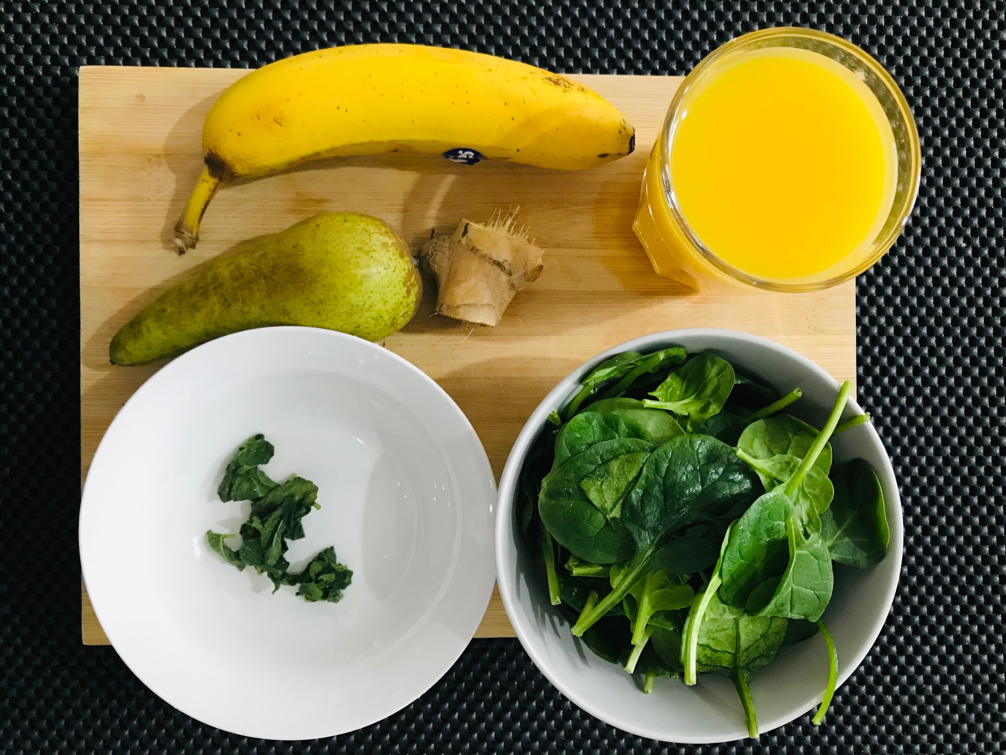 green smoothie spinach ginger mint