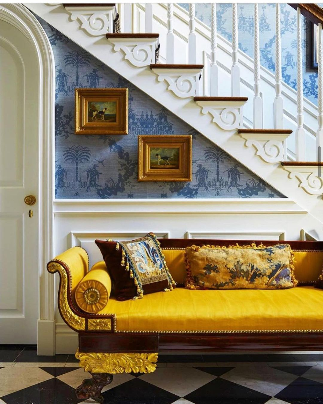 traditional living room aesthetics