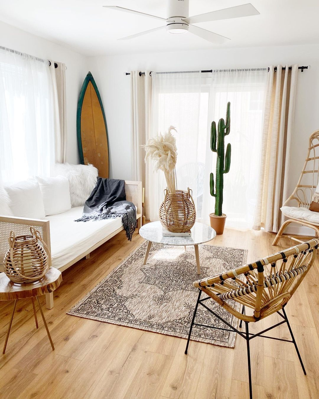 aesthetic beachy living room