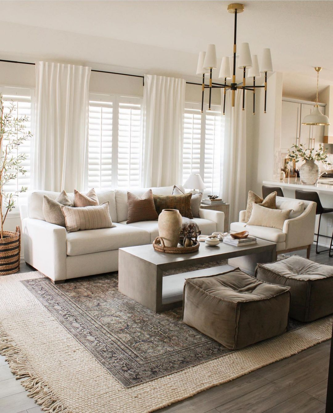 aesthetic two toned decor