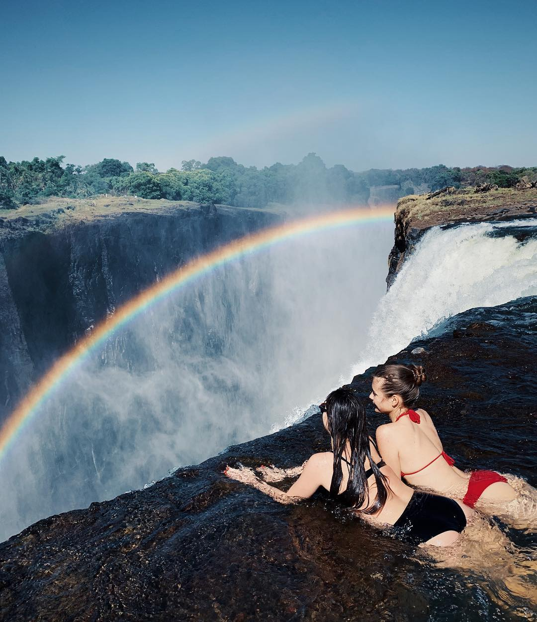 whens the best time to visit Zimbabwe